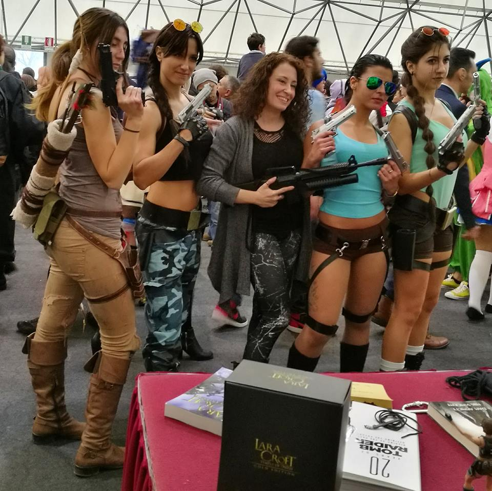 Gruppo cosplayers Lara e admin