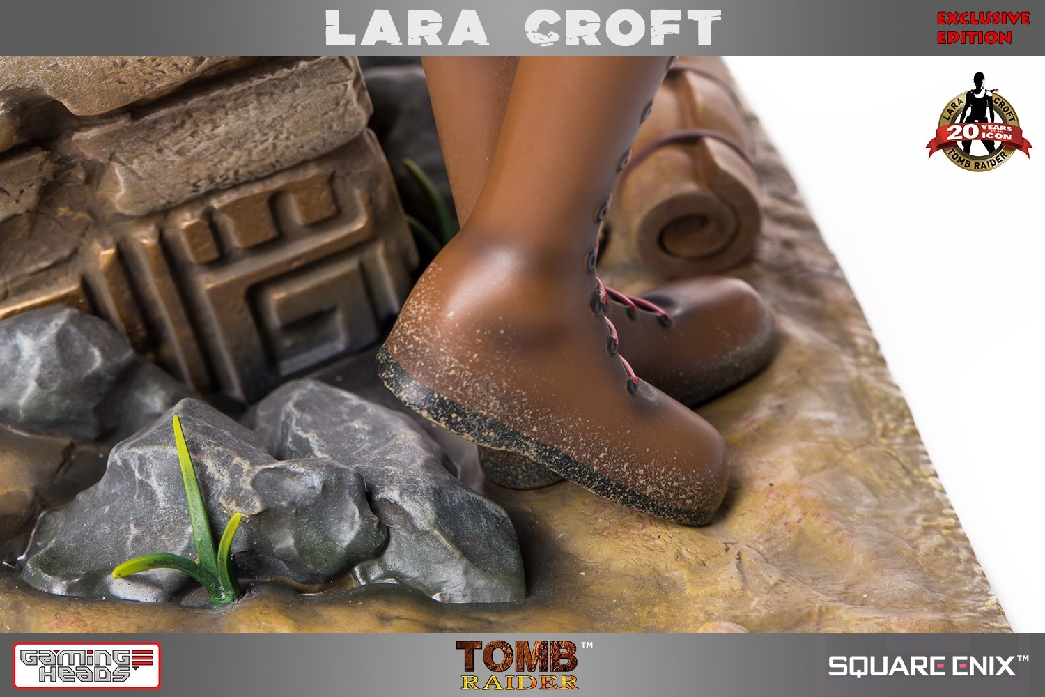 Tomb Raider Lara Croft statue by GamingHeads